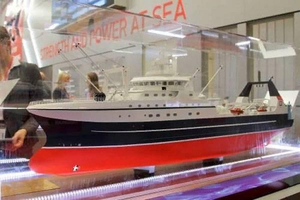 Le super-chalutier principal ST-192 est posé à Saint-Pétersbourg
