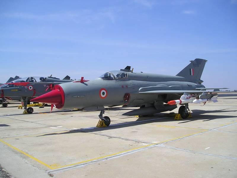 भारतीय वायु सेना मिग-एक्सएनयूएमएक्स से छुटकारा पाना चाहती थी