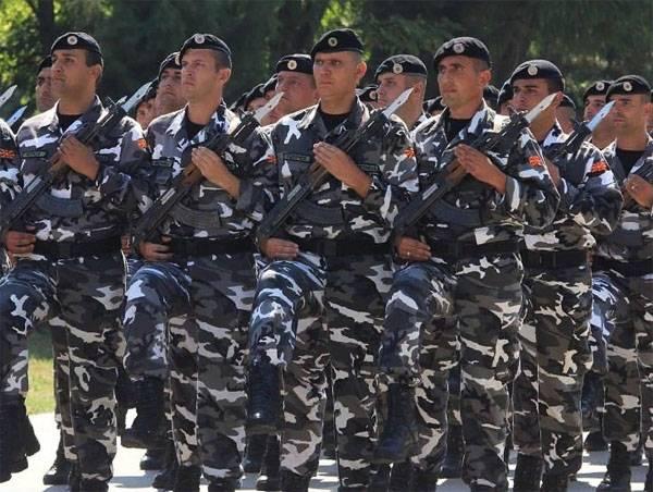 Funcionario de la OTAN, descendiente de un oficial nazi, pidió la adopción de Macedonia