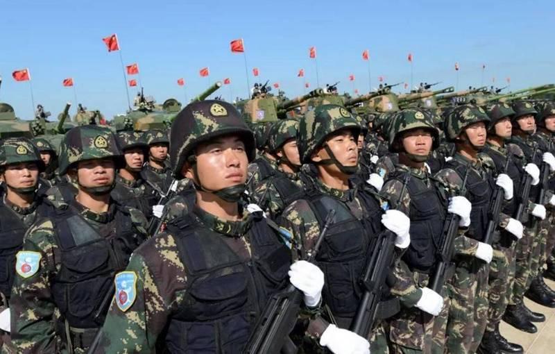 La Chine réduit considérablement les forces terrestres