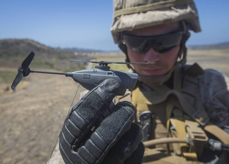 Французская армия вооружится мини-разведчиками Black Hornet