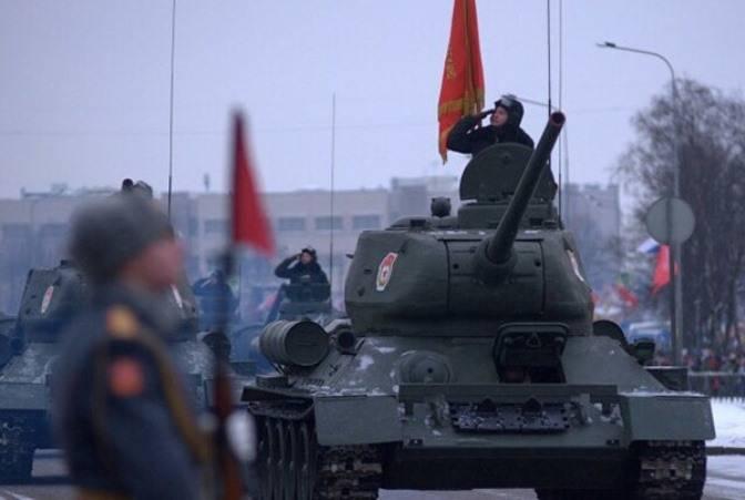 В Петербурге проходит парад в честь годовщины снятия блокады