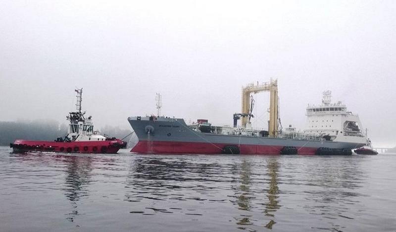 La nave cisterna marittima media Akademik Pashin è andata in prova in mare