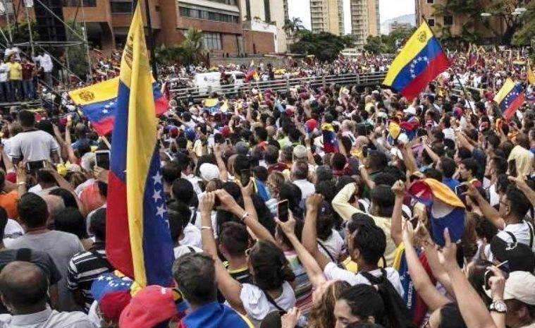 I disertori dell'esercito venezuelano chiedevano armi agli Stati Uniti