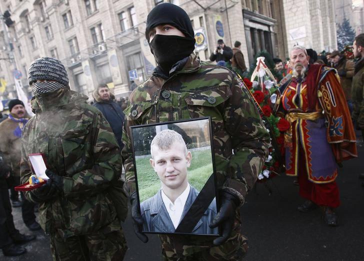 Pourquoi l'histoire d'un biélorusse mort sur Euromaidan est-elle discutée par 5 quelques années plus tard?