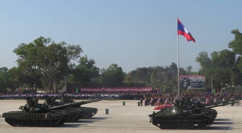 В Лаосе на военном параде представили российскую технику