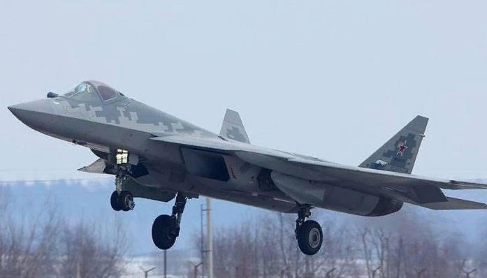 중국 항공기 설계자 : F-57과의 전투에서 Su-35가 보이지 않아도됩니다.