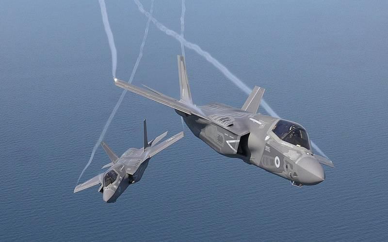 मीडिया: यूके F-35 लाइटनिंग II खरीदने से मना कर सकता है