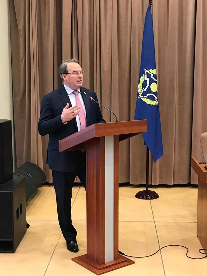 Le sénateur Morozov a expliqué pourquoi il ne participerait pas à un duel avec le député du peuple Bereza à Kiev