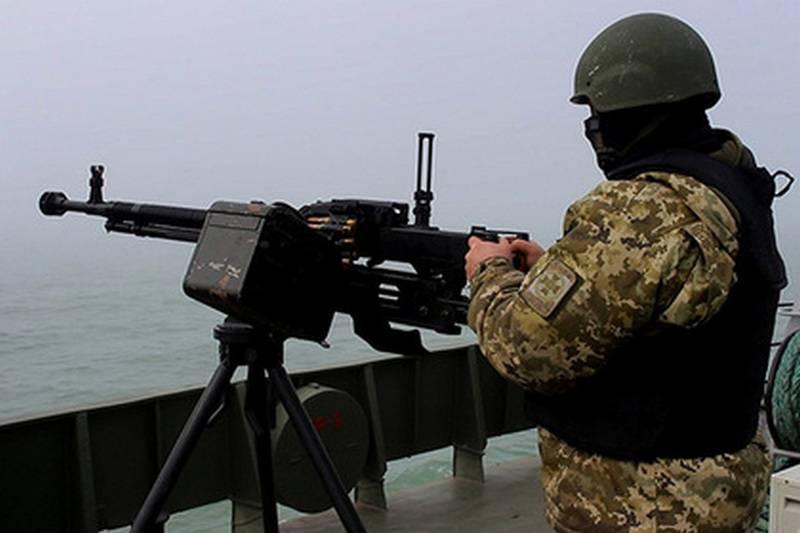 우크라이나는 아 조프 바다에서 정기적 인 군사 훈련을 가졌다.