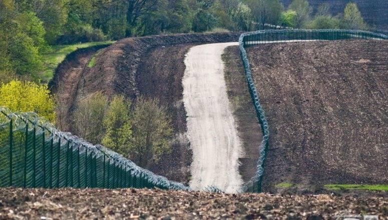 A Kiev, stimato il grado di prontezza del recinto al confine con la Federazione Russa