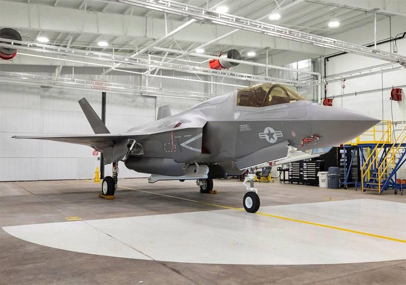 Aux États-Unis, indigné par la décision de l'Allemagne d'abandonner le F-35