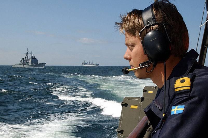 La Finlandia aiuterà la Svezia a cercare sottomarini
