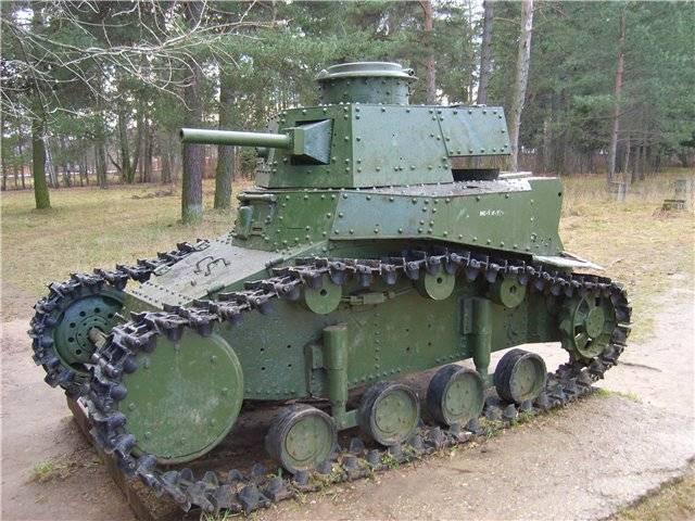 """सोवियत टैंक डिजाइन का पहला जन्म: """"रेनॉल्ट रूसी"""" और MC-1"""