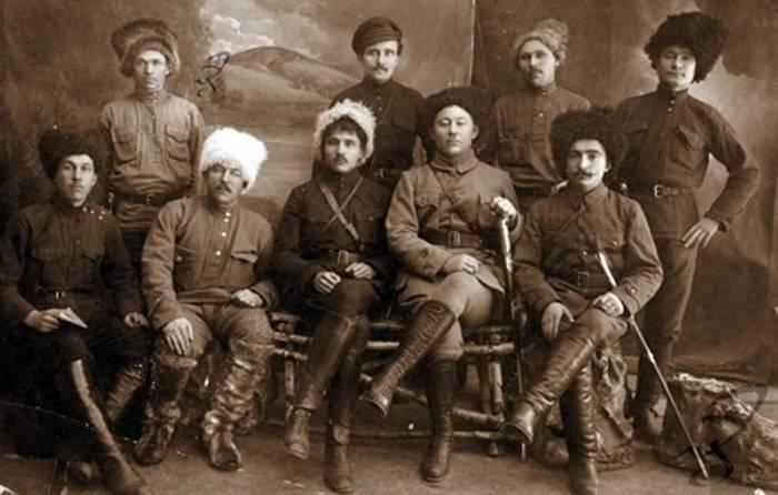 Transbaikaliaの赤い党派運動の歴史から。 1の一部