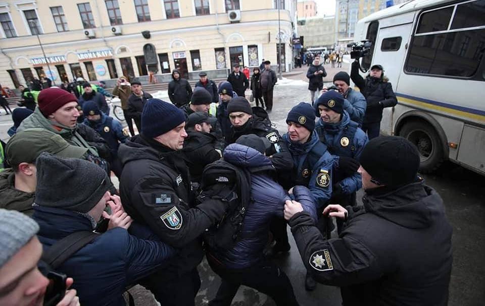 Аваков обвинил штабы претендентов впрезиденты вразжигании ненависти