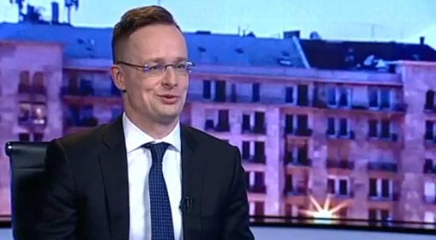 헝가리 외무 장관은 러시아 연맹에 대한 서양 위선 사례를 발표했다.