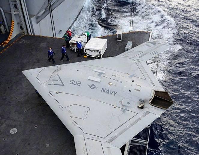 Negli Stati Uniti, parla dello sviluppo del progetto X-47B in relazione al rilascio dell'INF