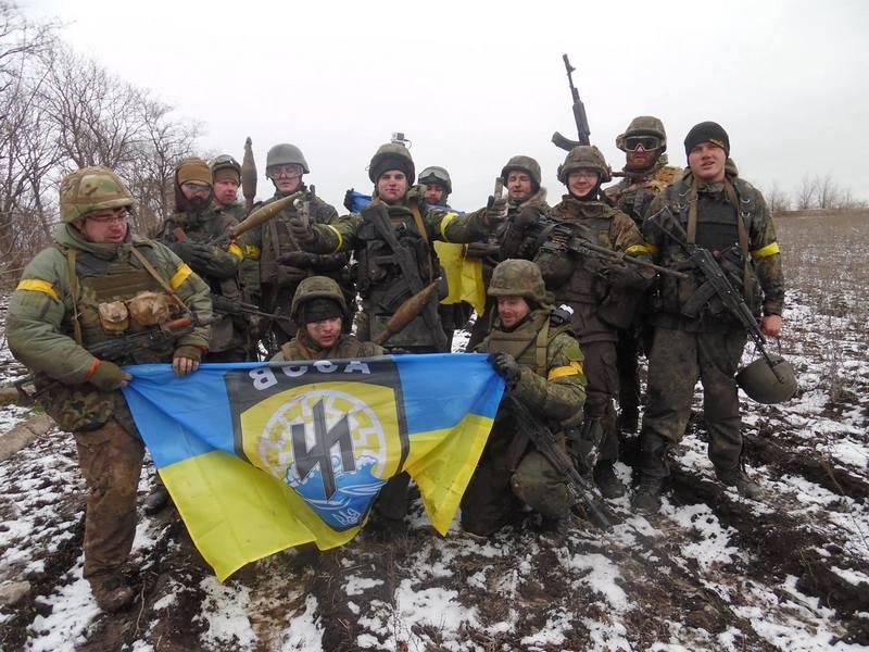 Kiev devuelve natbaty ucraniano en la línea de contacto en el Donbass