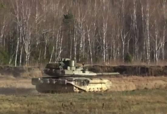 Il nuovissimo T-90MS trasformato in un serbatoio per la guerra network-centrica.