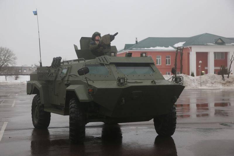 ベラルーシの武装勢力は国内装甲車「カイマン」の最初のバッチを受け取りました