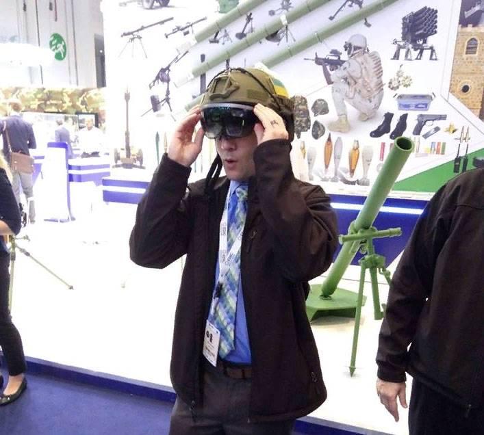 L'ucraina Limpid Armor di IDEX-2019 ha presentato un elmo di realtà aumentata