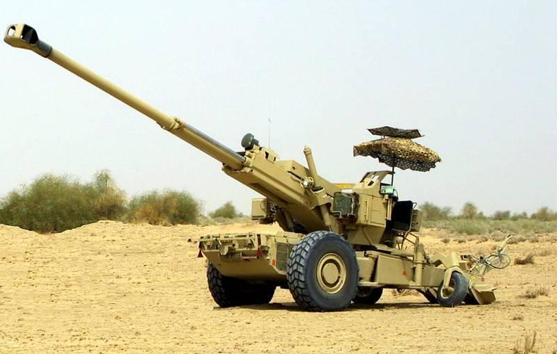 """인디언 155 - mm 견인 곡사포 FH - 77B """"Dkhanush""""시리즈에 들어갔다"""