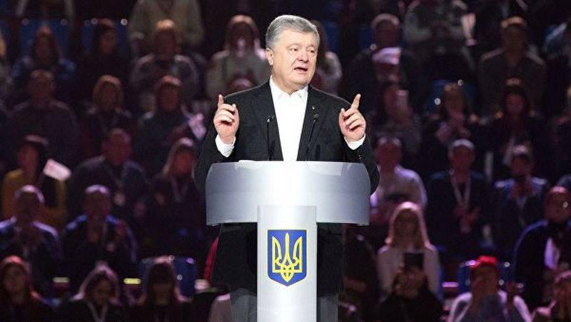 Poroshenko ha parlato del contributo personale nella rimozione dei corpi delle persone uccise sul Maidan