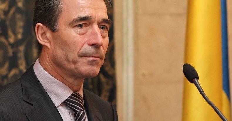 """Rasmussen ha consigliato alla Bielorussia di """"stare attenti alle aggressioni russe"""""""