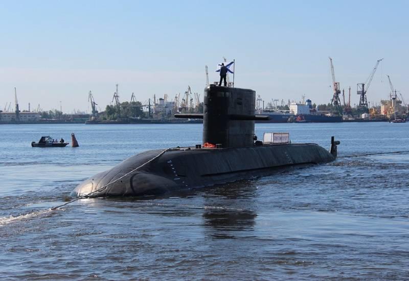 """러시아는 VNEU와 함께 인도 해군 디젤 전기 잠수함 """"Lada""""에 입찰 제안"""