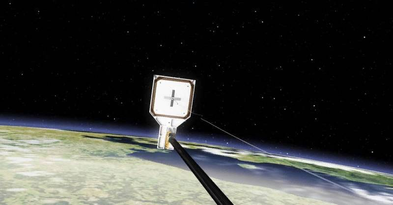 """the Prototype of an anti - satellite war- space debris will """"catch"""" harpoons"""