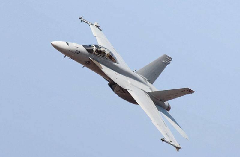 """미국은 인도에 20 억 달러에 대해 """"최고의 전투기 중 하나""""를 제조하도록 제안했다."""