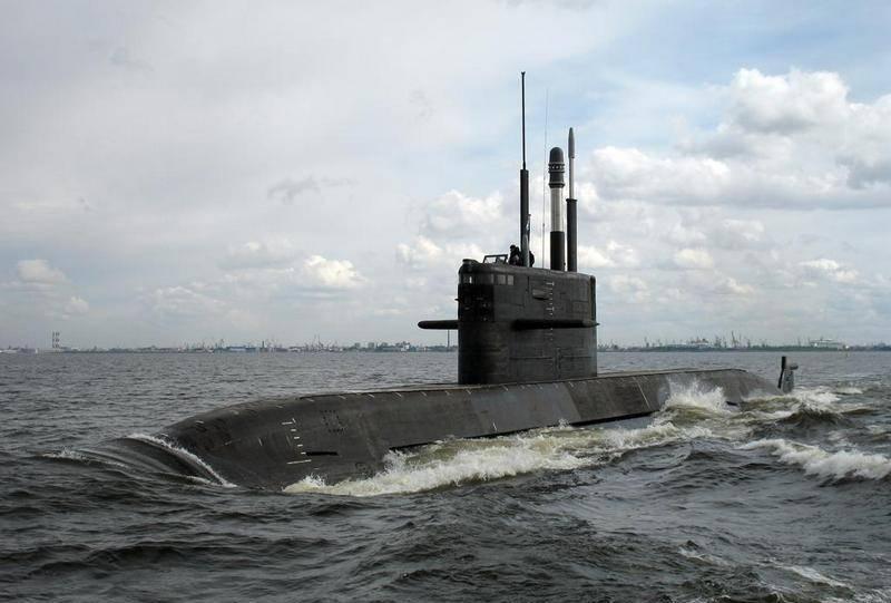 """디젤 잠수함 """"Kronstadt""""프로젝트 677 """"Lada""""가 올해 테스트에 투입됩니다."""