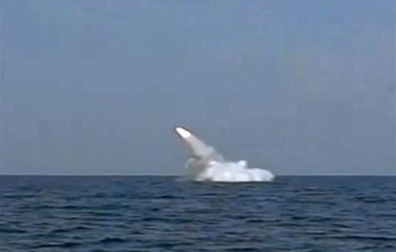 Иранская ПЛ впервые запустила ракету из подводного положения