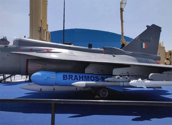 LCA Tejas with Brahmos NG