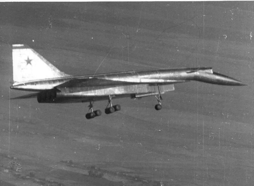 Самолёт, не долетевший до будущего. Т-4 «Сотка».