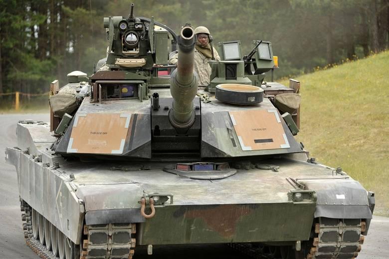 Проект M1A2C Abrams. Модернизированные танки в кадре