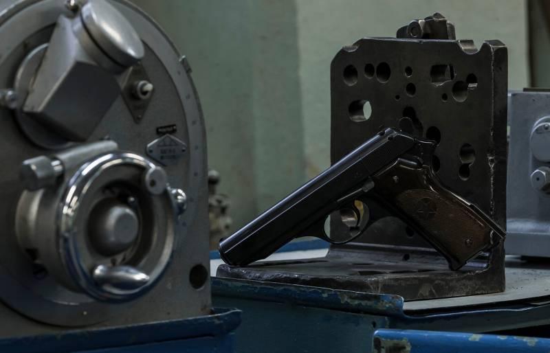 Автоматический пистолет Калашникова 1950 года