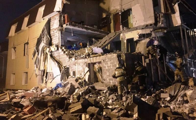 В Красноярске взрыв газа разрушил часть дома