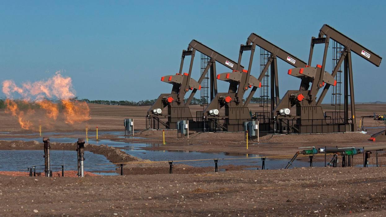 Добыча сланцевой нефти в США восстановится к 2022 году