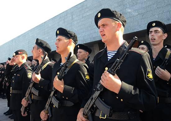 Глава Минобороны рассказал об усилении войсковой группировки в Крыму