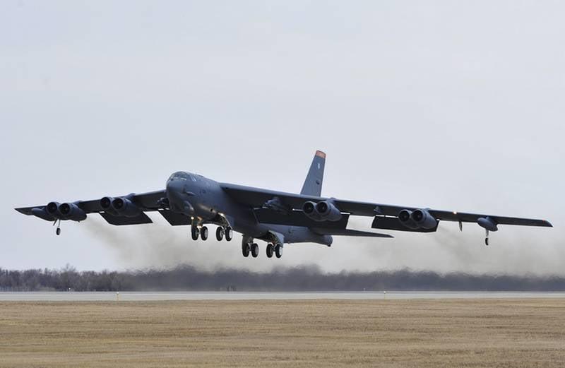 США перебросили в Европу стратегические бомбардировщики B-52H