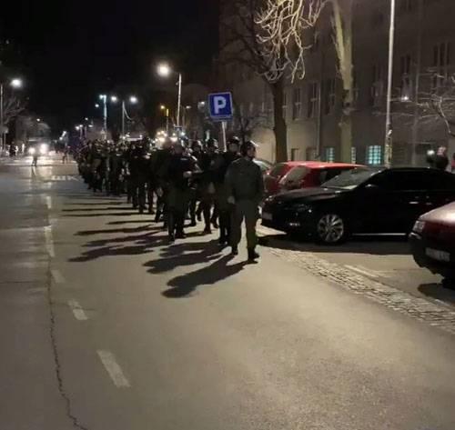 Стычки оппозиции с полицией и попытка захвата телецентра в Белграде