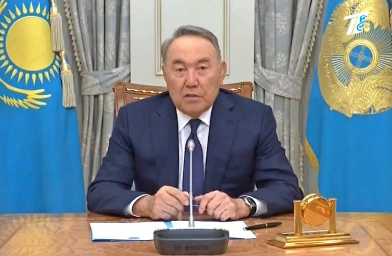 Назарбаев объявил об уходе в отставку и назвал преемника