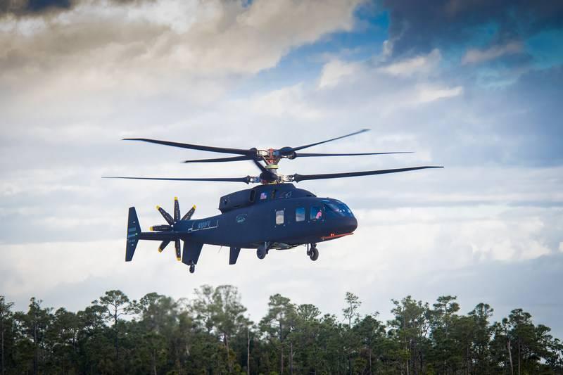 El prototipo del helicóptero de alta velocidad SB1 Defiant realizó el primer vuelo.