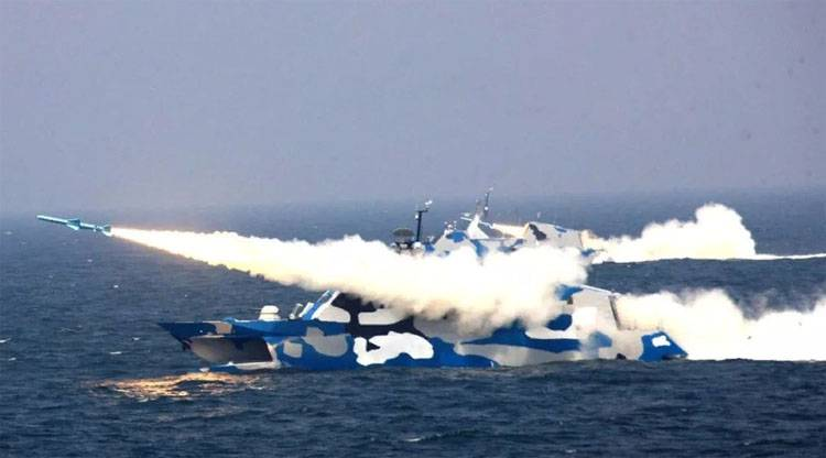 "Experts discuss ""wrong"" camouflage missile boats China"