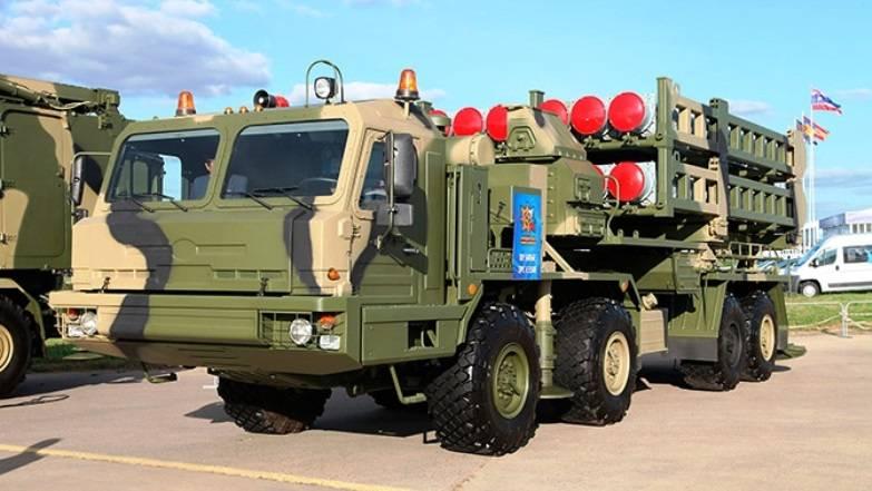 Na Rússia, testes estaduais do complexo antiaéreo Vityaz estão sendo concluídos
