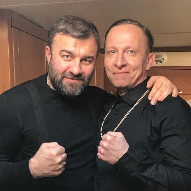 コロラドゴキブリのノート ウクライナのBuratin軍がthujasに向けて出発