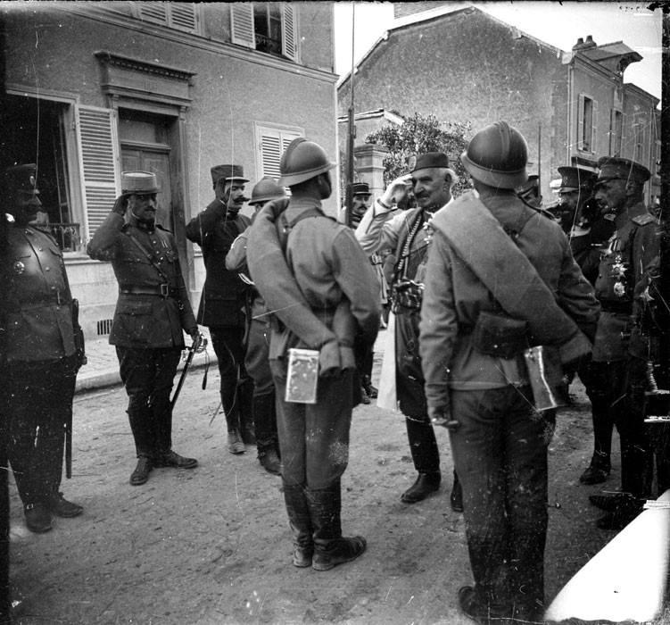 भक्ति मंडल। फ्रांस में रूसी सैनिकों का दुखद भाग्य