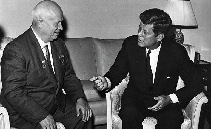 Как советский разведчик предотвратил ядерную войну